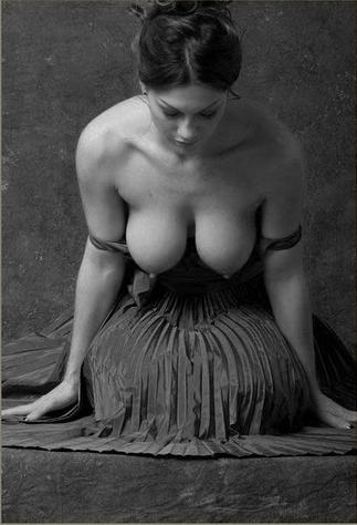 голый бюст женщин фото