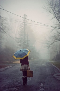 fall-fog-girl-umbrella-Favim.com-164817