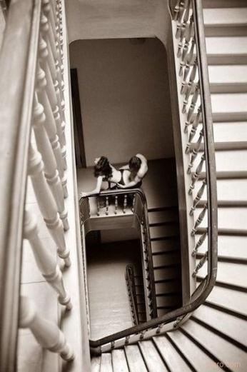 2009-01-31-stairwell-shag